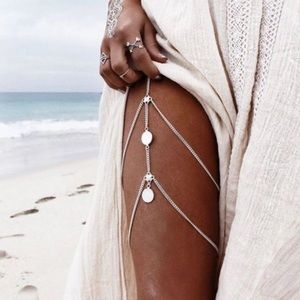 Island BABE Silver thigh chain jewelry! 🆕💸💕✨